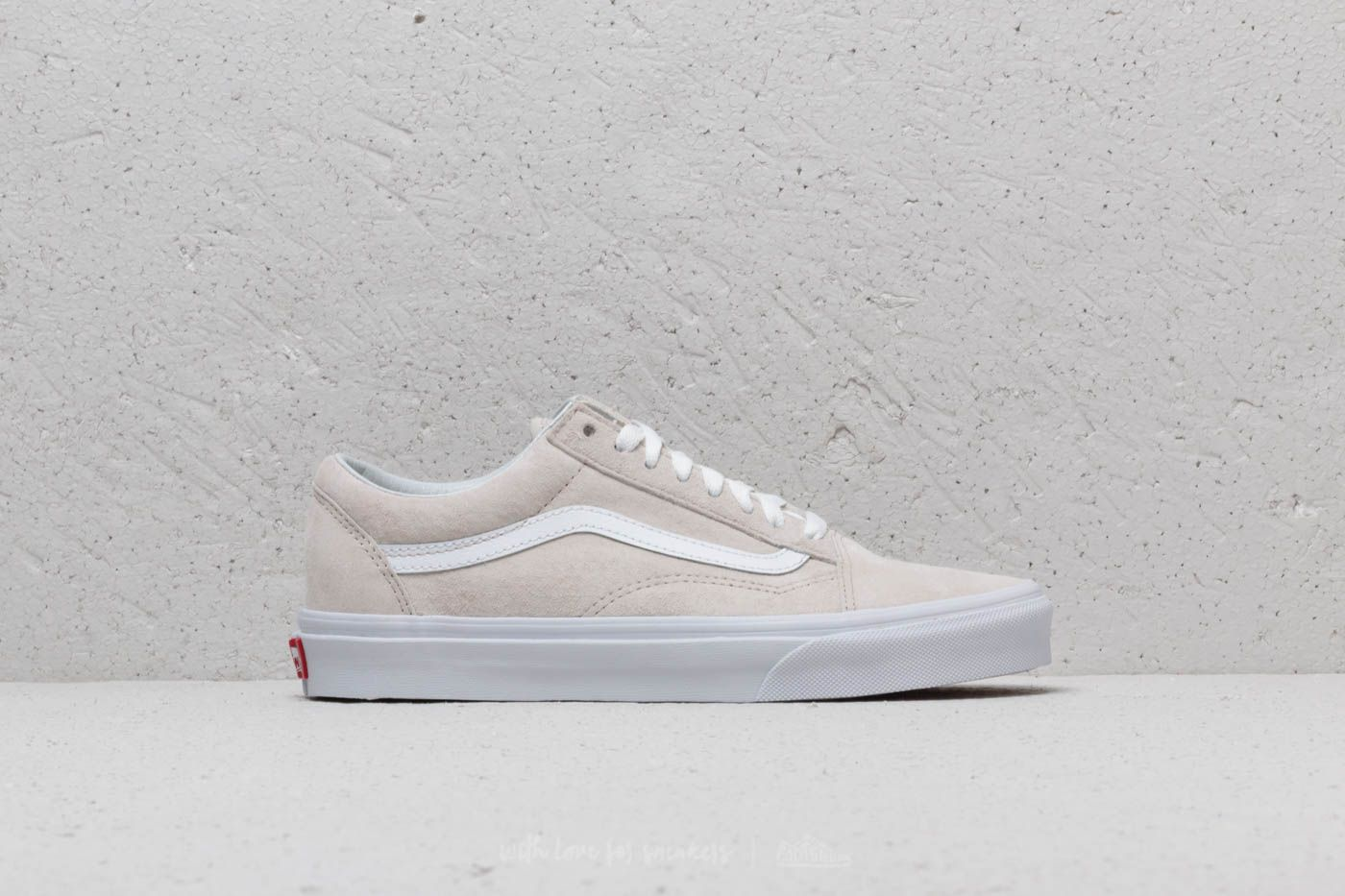 5fbb0bef5360 Vans Old Skool (Pig Suede) Moonbeam  True White at a great price £