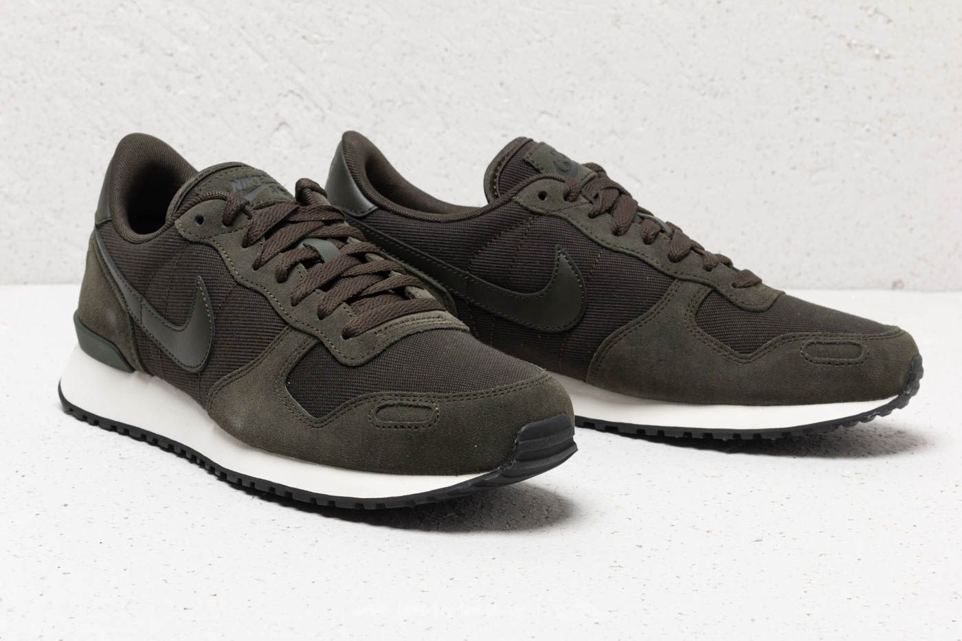 Centro tra flessibile  Men's shoes Nike Air Vortex Leather Sequoia/ Sequoia-Sail-Black   Footshop