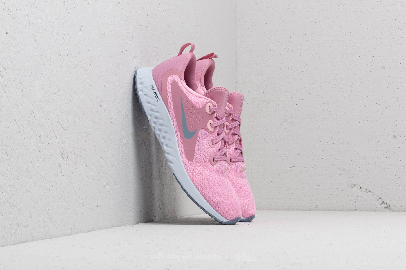 570816669523 Nike Legend React (GS) Pink  Ashen Slate at a great price £70