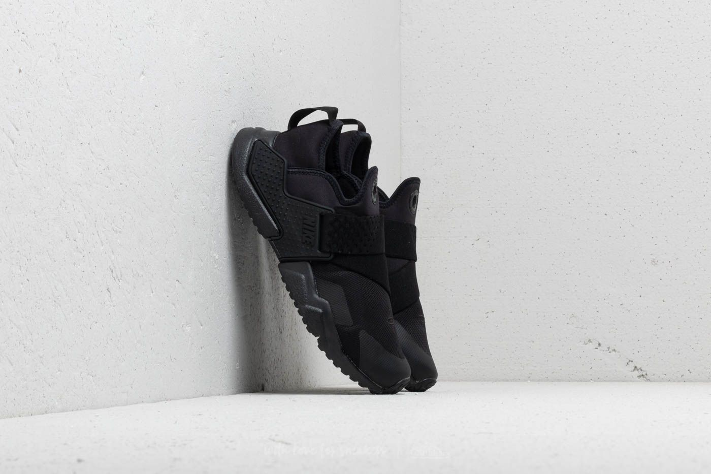 differently ffe31 aa791 Nike Huarache Extreme (GS) Black  Black-Black at a great price 95