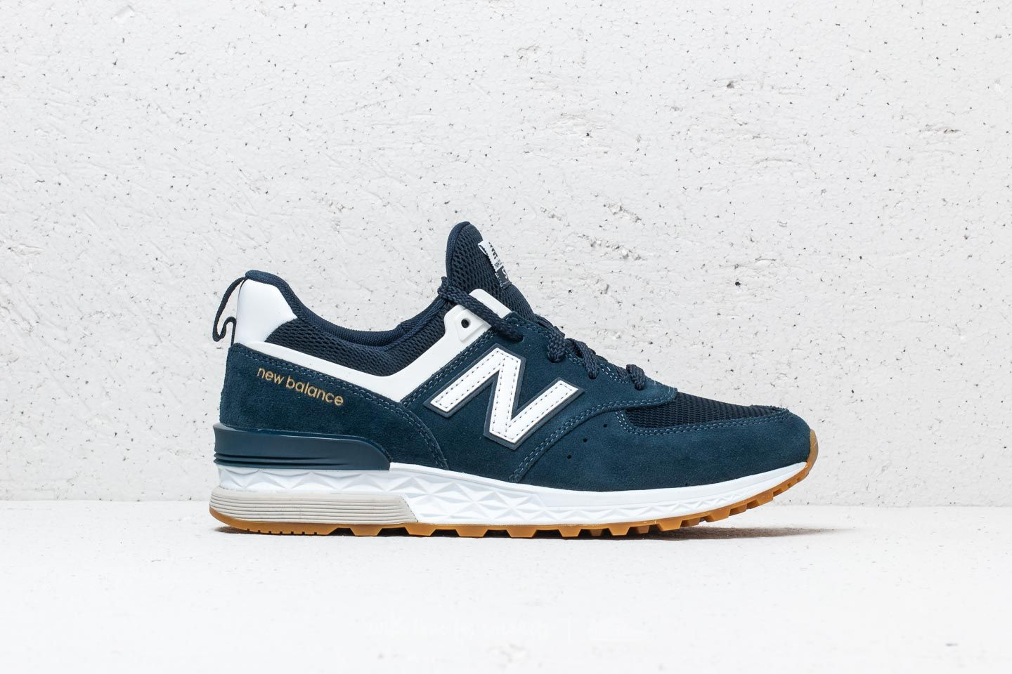 classic styles to buy outlet store New Balance 574 Navy/ White | Footshop