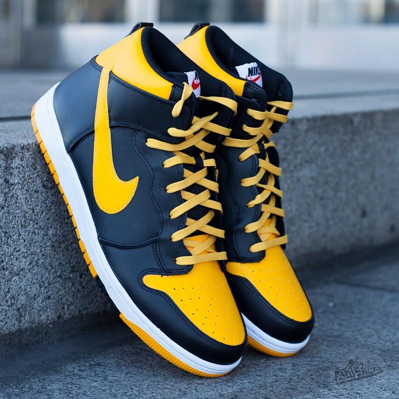 buy popular 187f4 a4087 Nike Dunk CMFT University Gold Black-White