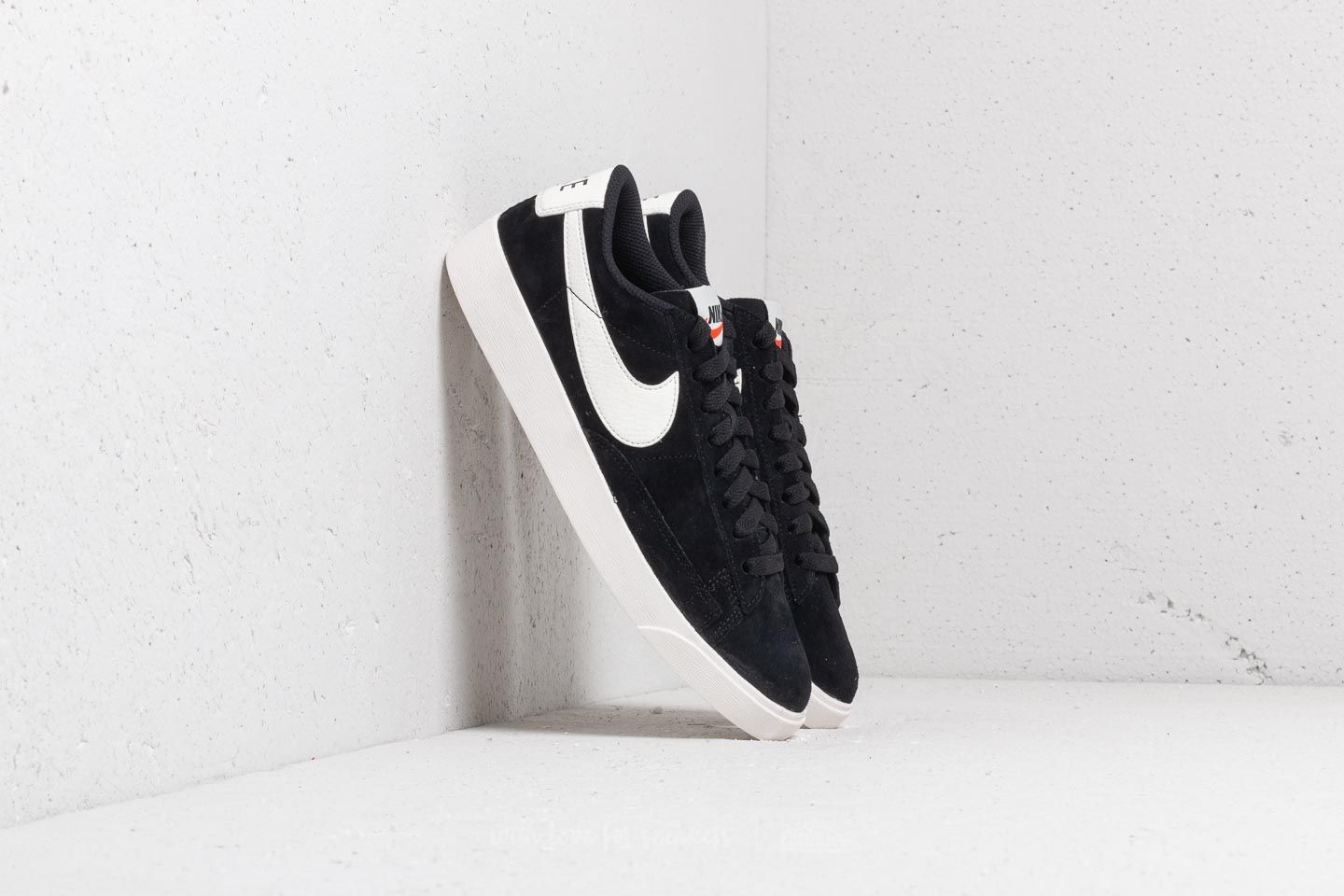 Nike W Blazer Low Sd Black/ Sail-Sail at a great price 50 € buy at Footshop