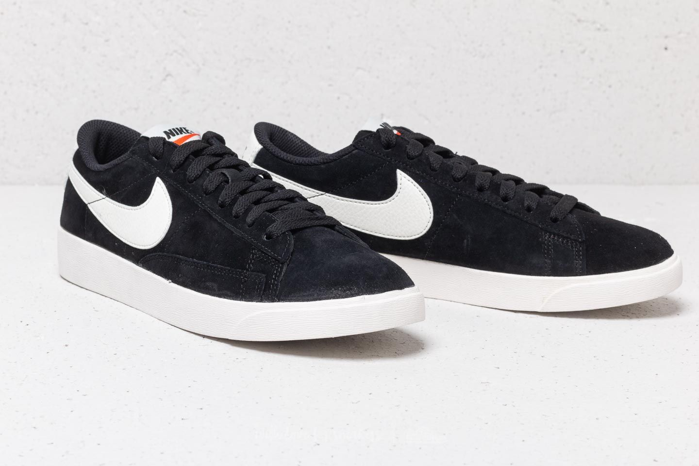 966376ad918 Nike W Blazer Low Sd Black  Sail-Sail at a great price 63 €