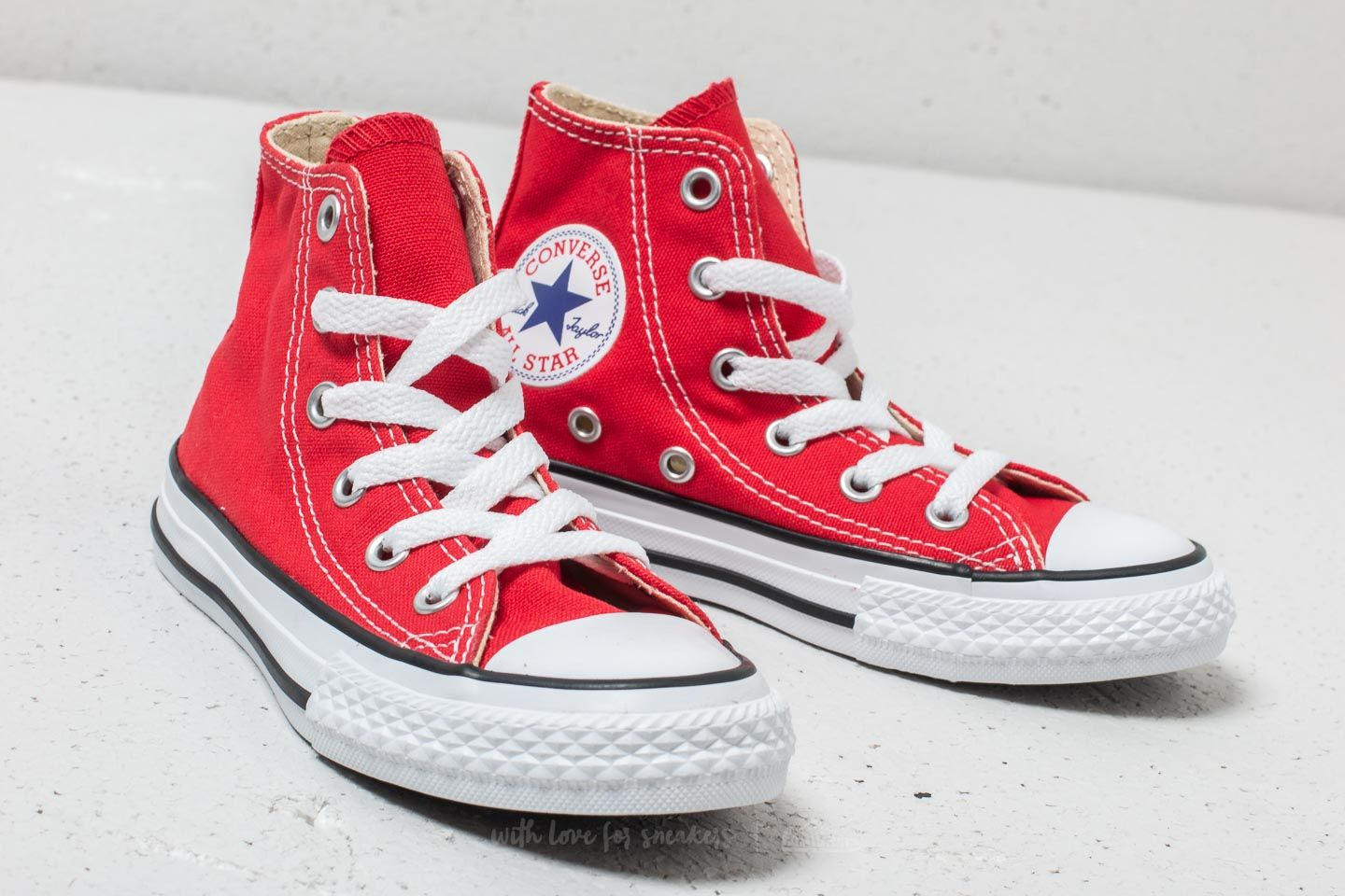 415ce12563f2fe Converse Chuck Taylor All Star Hi Red at a great price 31 € buy at Footshop