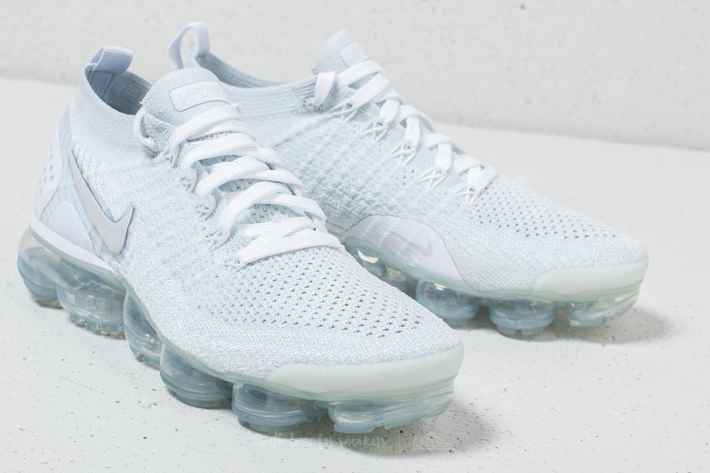 super popular 73513 4e670 Nike Air Vapormax Flyknit 2 W White/ White-Vast Grey | Footshop