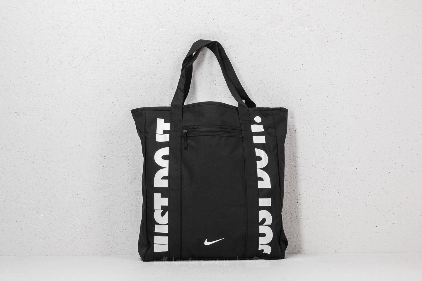 Nike W Gym Tote Black  White at a great price 25 € buy at Footshop 3a5c1b2cda95