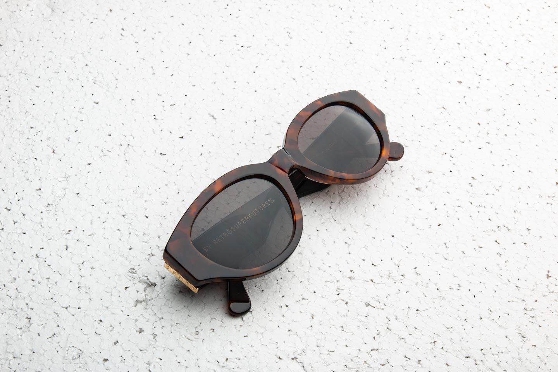 RETROSUPERFUTURE Drew Mama Sunglasses Classic Havana za skvělou cenu 3 540 Kč koupíte na Footshop.cz