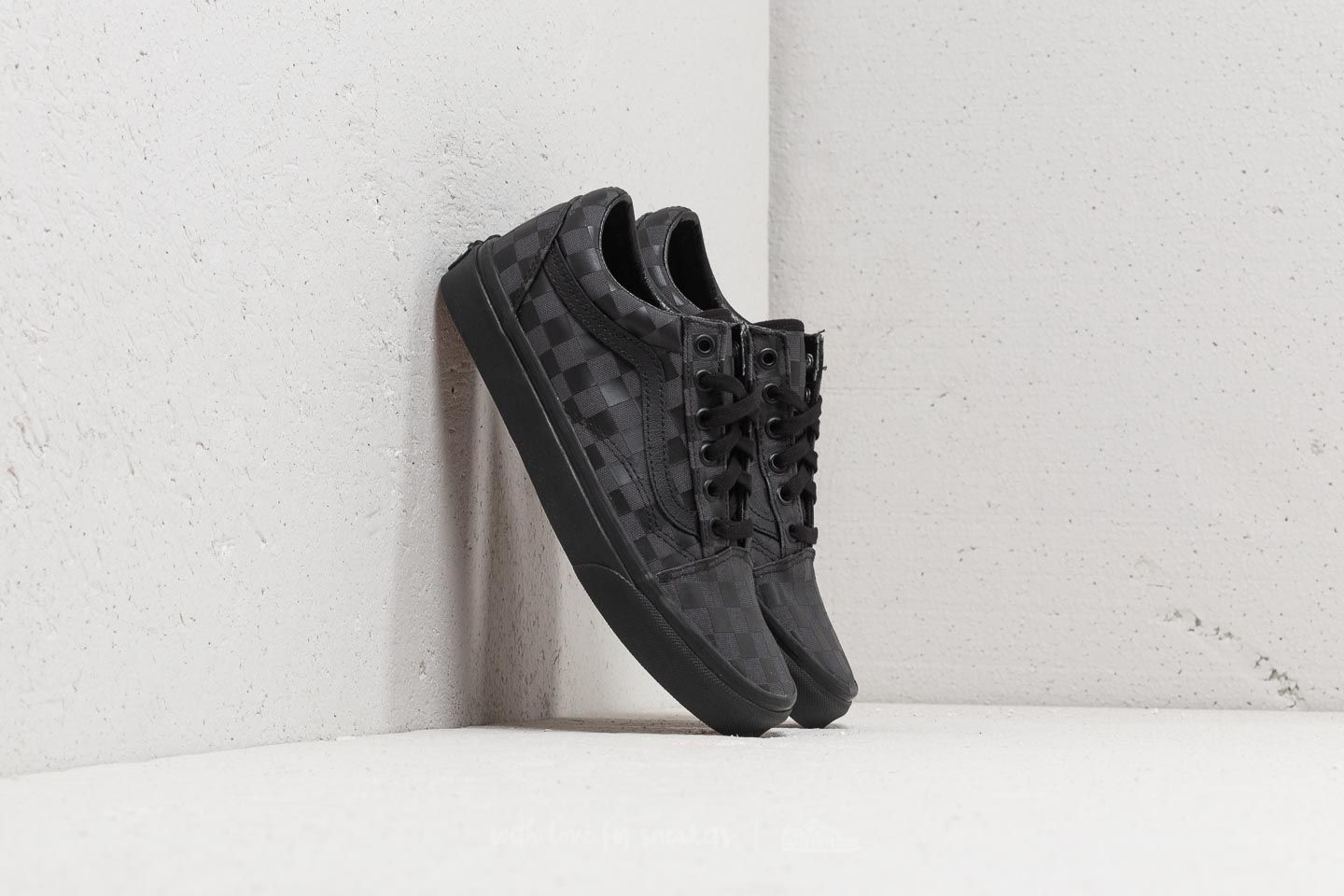 854a50ac68f Vans Old Skool (High Density) Black  Checkerboard at a great price 86 €