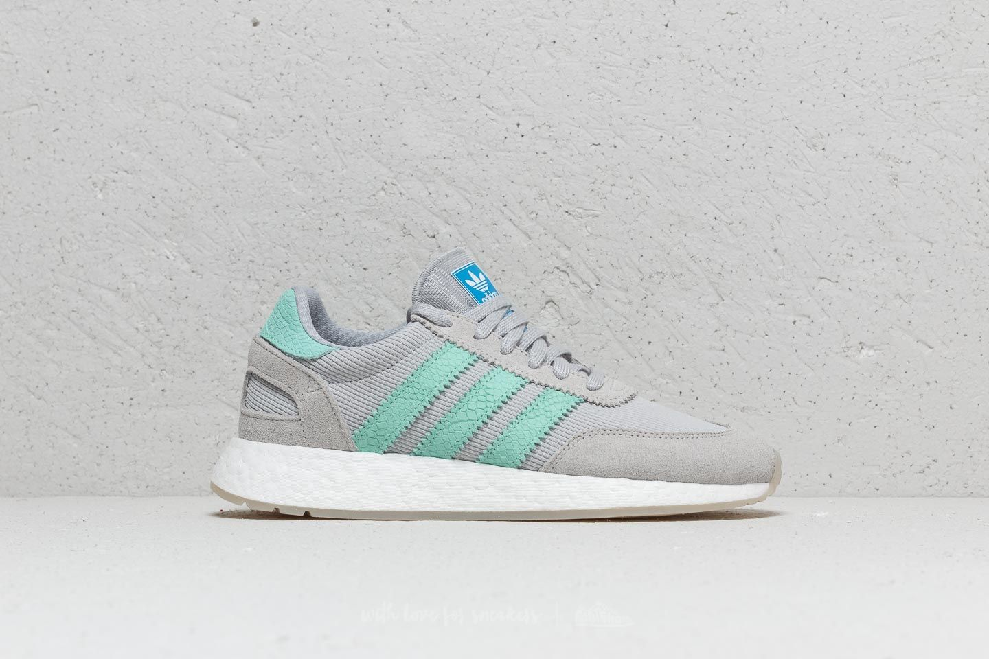 huge selection of 42d67 1bce7 adidas I-5923 W Grey Green White au meilleur prix 77 € Achetez