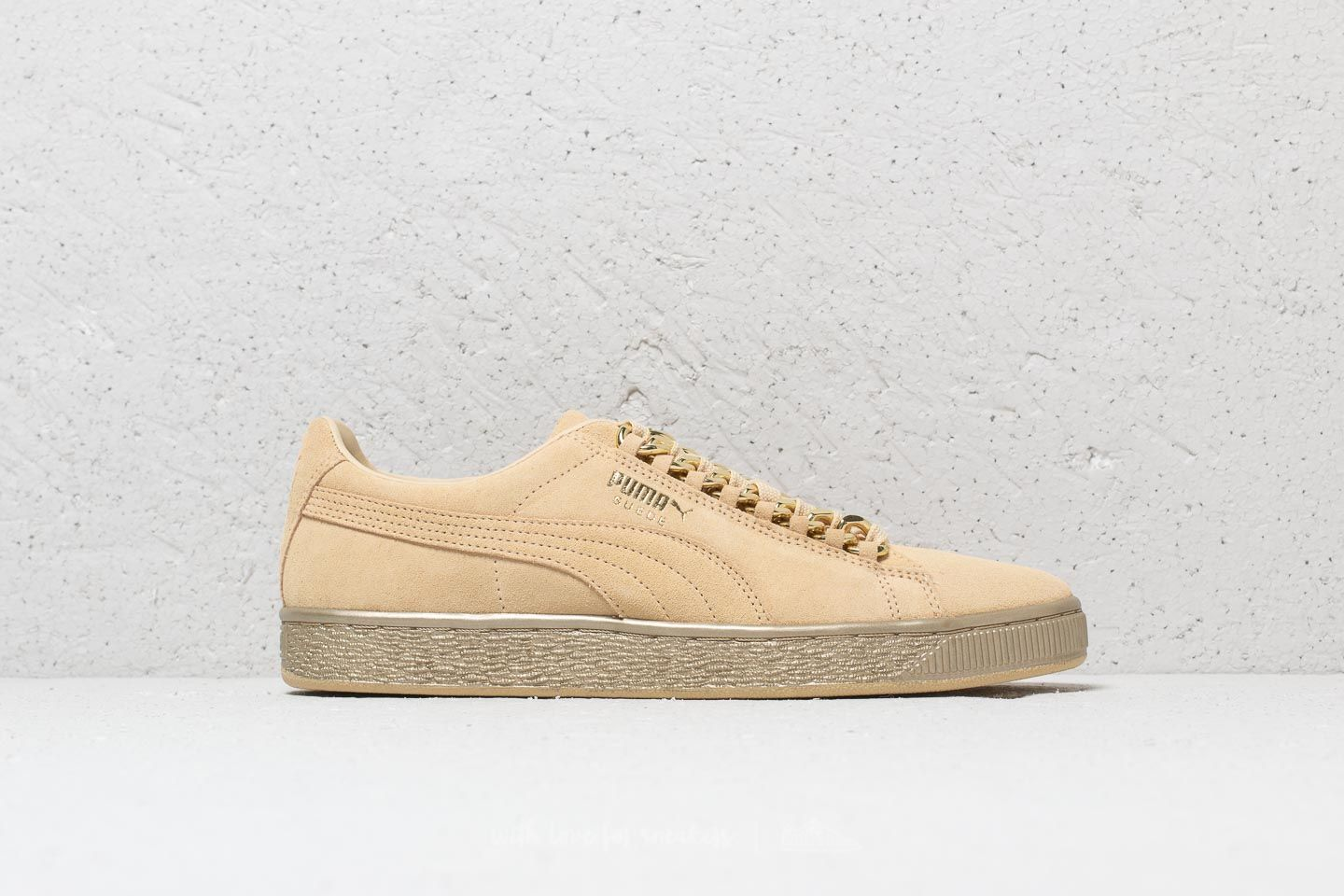 0e4ad2f8f024 Puma Suede Classic x Chain Reed Yellow-Metallic Gold at a great price 55 €