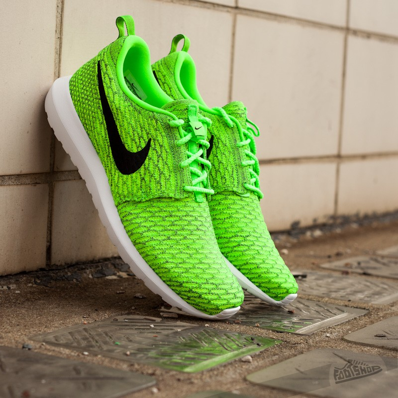 check out 1efc2 74672 Nike Flyknit Rosherun Volt Black-Electric Green-Dark Grey