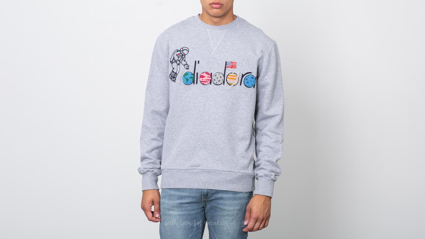 Jope in puloverji Diadora x LC23 Spaceman Sweater Light Middle Grey Melange