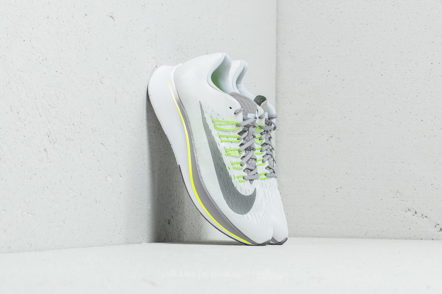 7c50312be1e Nike W Zoom Fly White/ Gunsmoke-Atmosphere Grey at a great price 88 €