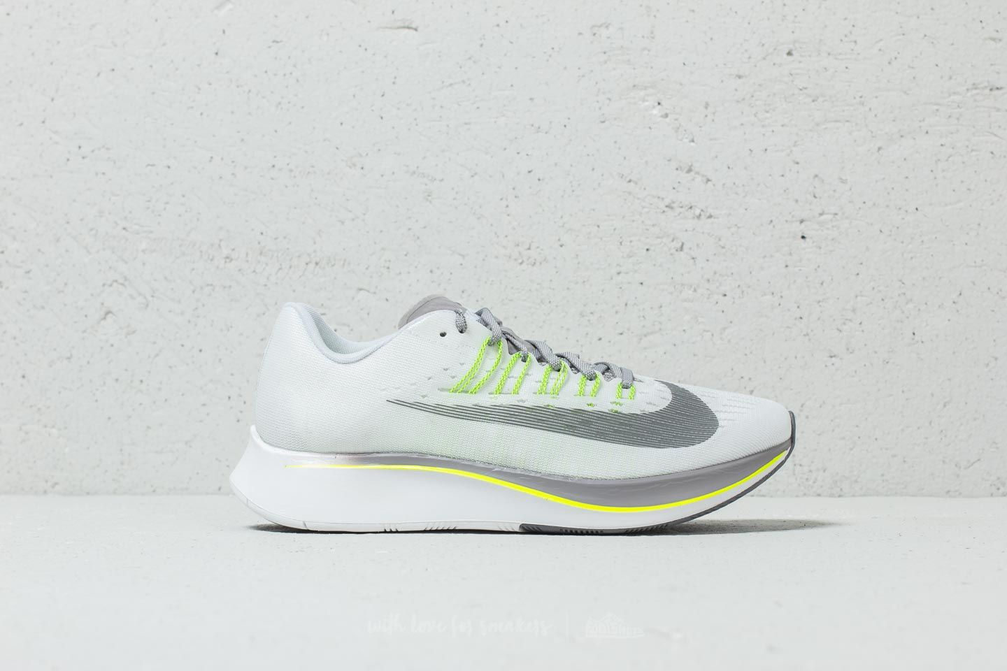 Nike W Zoom Fly White  Gunsmoke-Atmosphere Grey at a great price 147 € 67e69405d