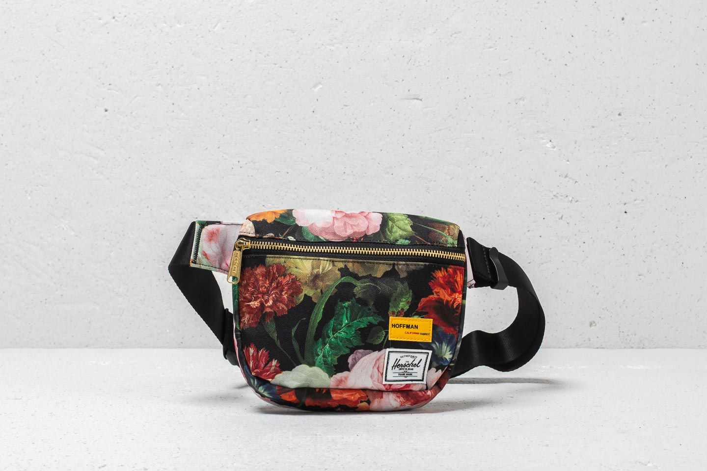 31f0935a2ba Herschel Supply Co. Fifteen Hip Pack Fall Floral