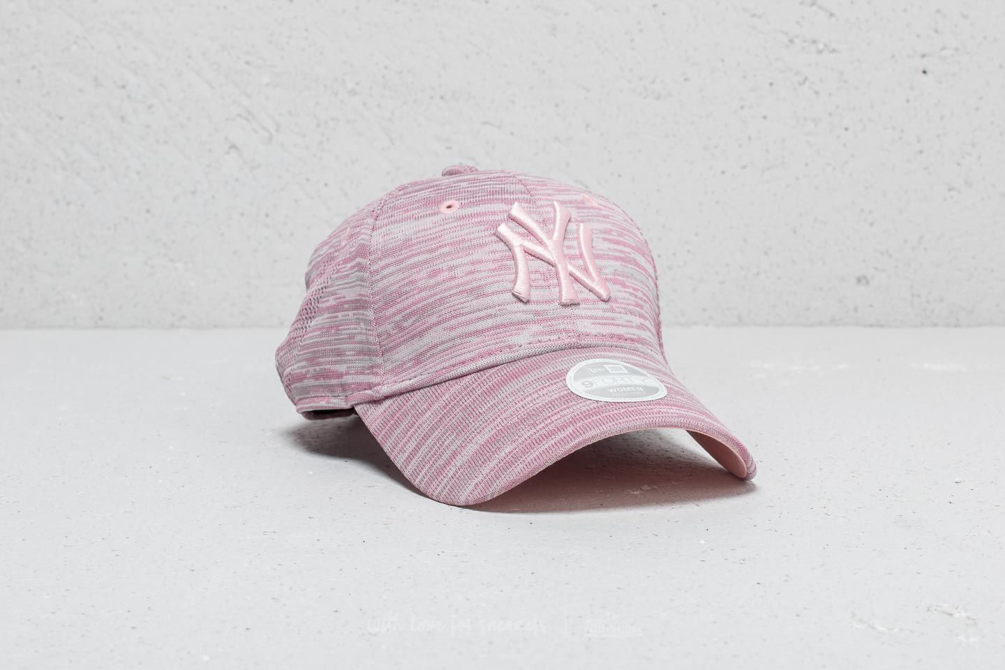 4ee75fada40 New Era 9Forty MLB New York Yankees Cap Pink  Grey Heather at a great price