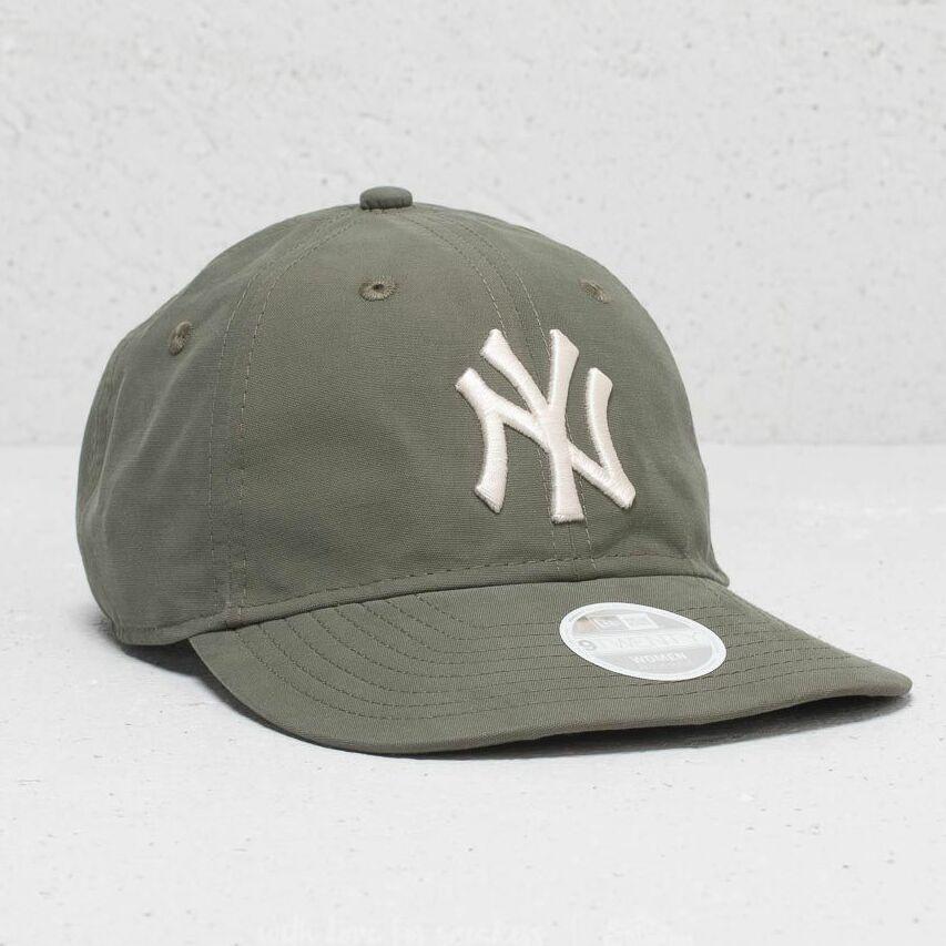New Era 9Twenty MLB Light Weight Packable New York Yankees Cap Olive Univerzální velikost