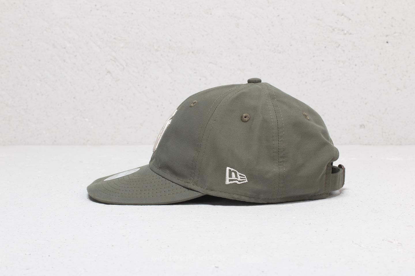 New Era 9Twenty MLB Light Weight Packable New York Yankees Cap Olive at a  great price 459d59b8edf