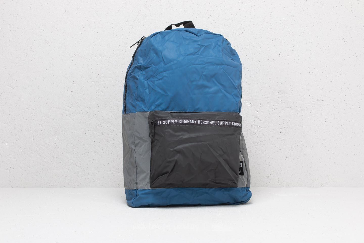Herschel Supply Co. Daypack Peacoat/ Black/ Silver Reflective