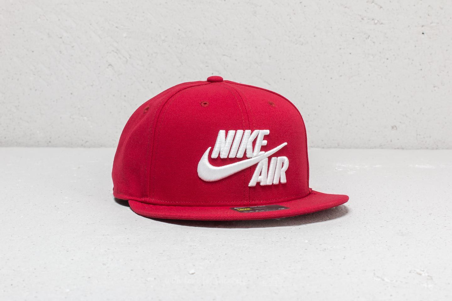 Kšiltovky Nike Sportswear Air Classic True Cap Red /White
