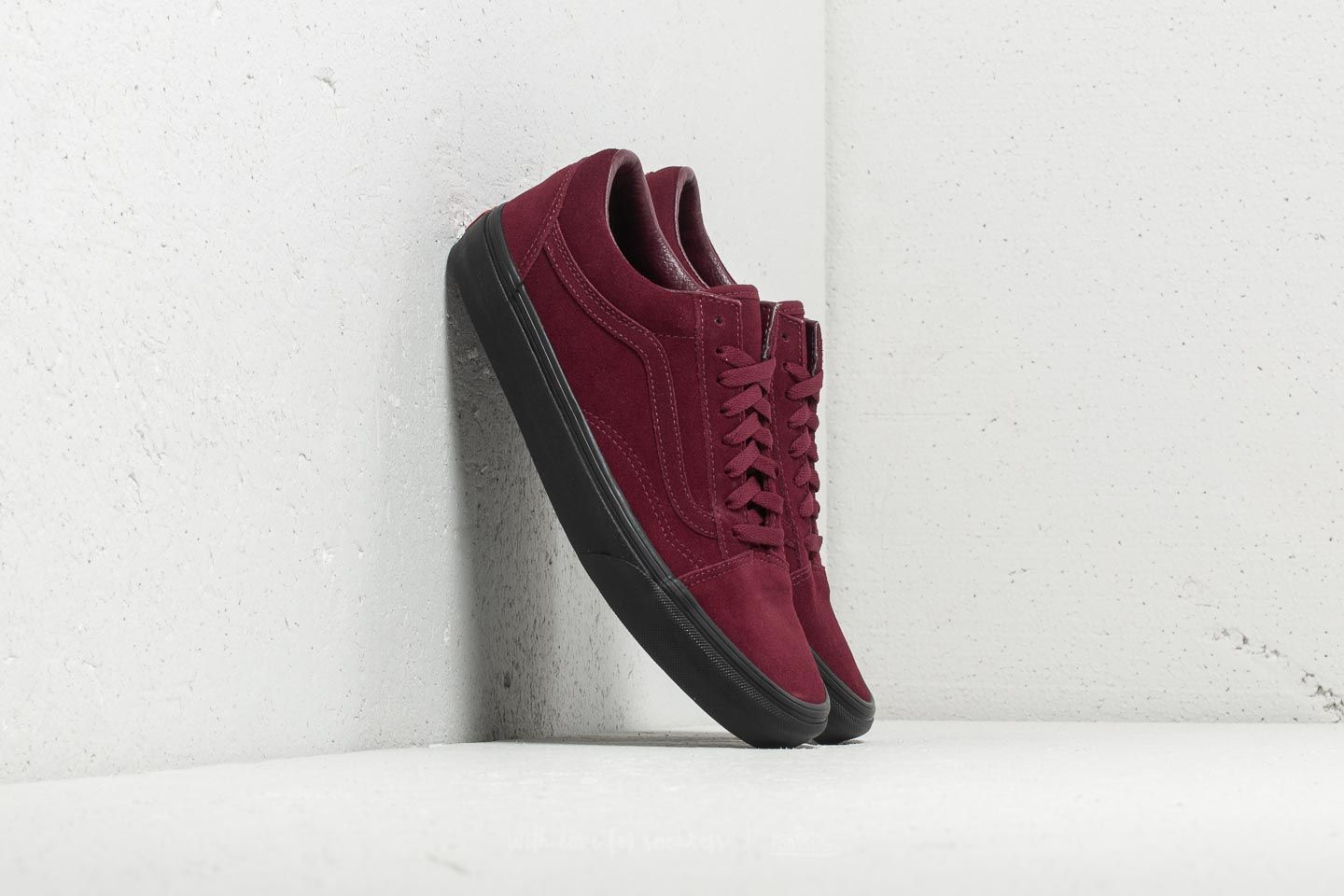 3871a83bd506eb Vans Old Skool (Black Outsole) Port Royal