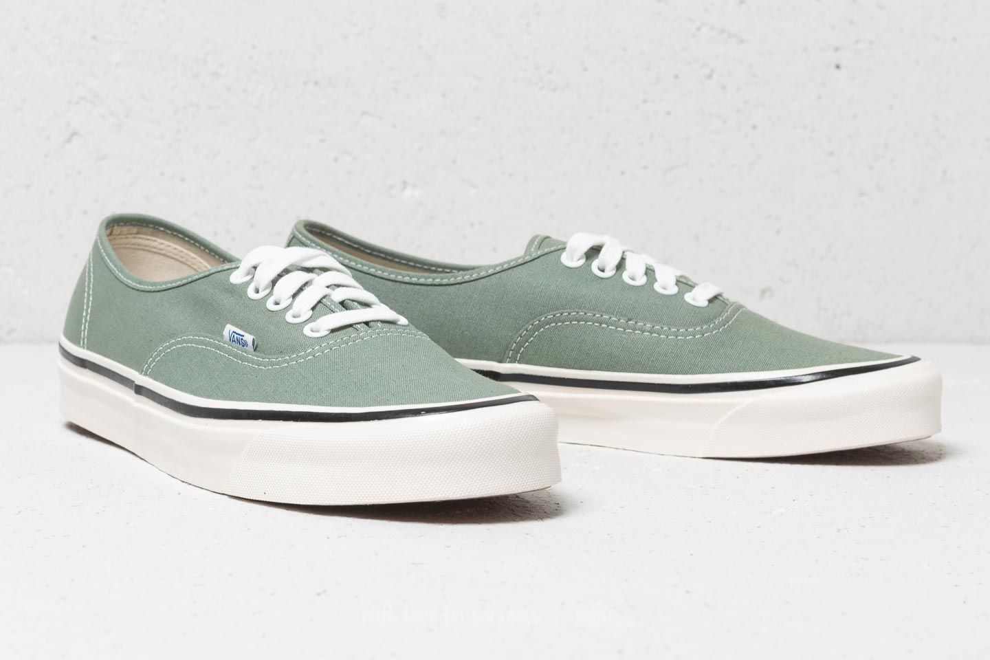 7a47495a20e6 Vans Authentic 44 DX (Anaheim Factory) OG Lichen at a great price £54