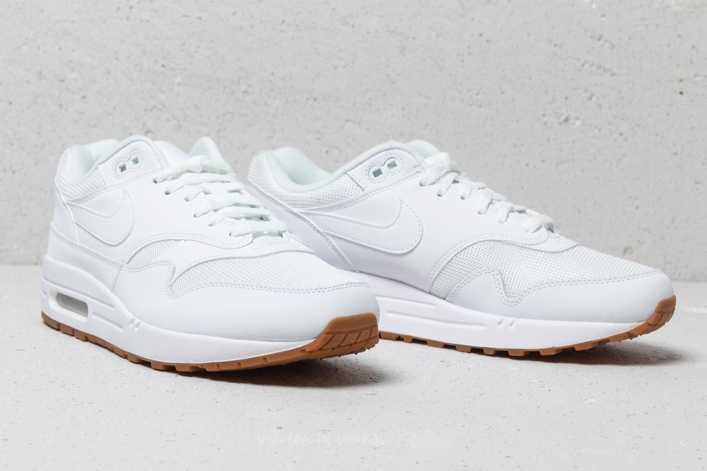 Nike Air Max 1 White  White-White at a great price 136 € buy 53bca5fc4800