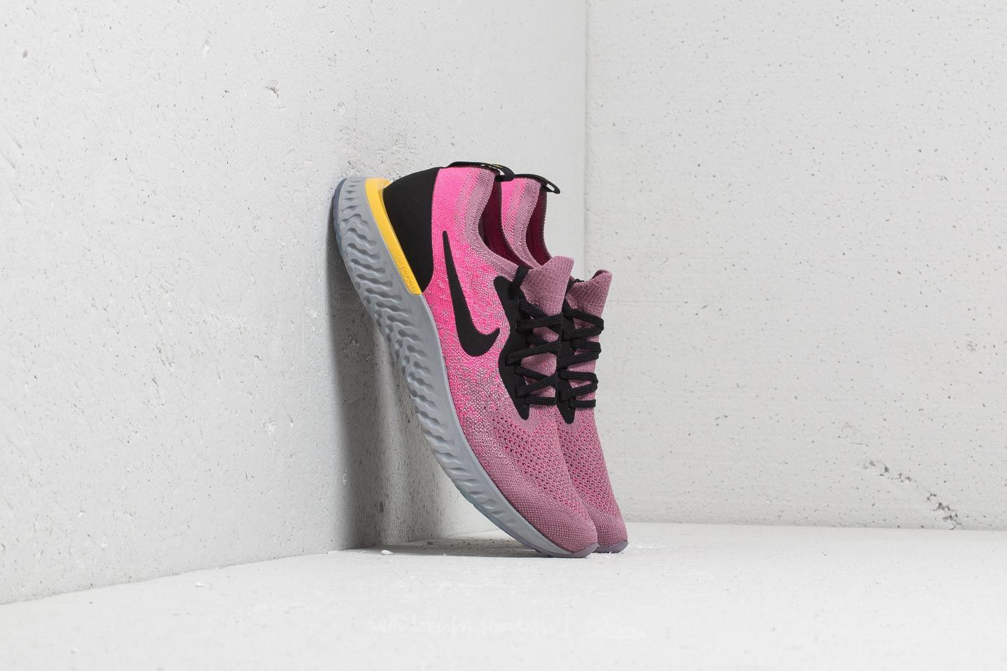Nike Epic React Flyknit (GS) Plum Dust/ Black-Pink Blast at a great price 128 € buy at Footshop