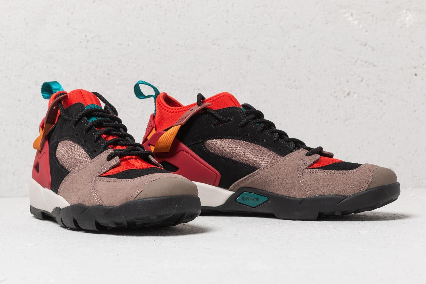 b2104c0ec06 Nike ACG Air Revaderchi Gym Red/ Geode Teal | Footshop