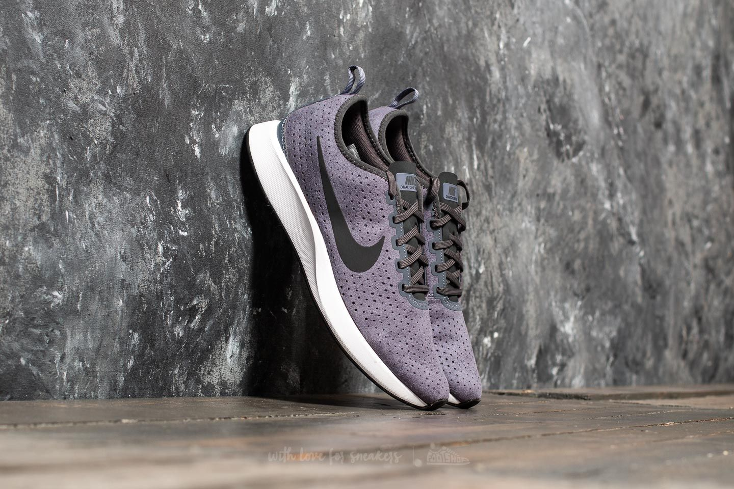 046016ec1056 Nike Dualtone Racer Premium Light Carbon  Anthracite-White