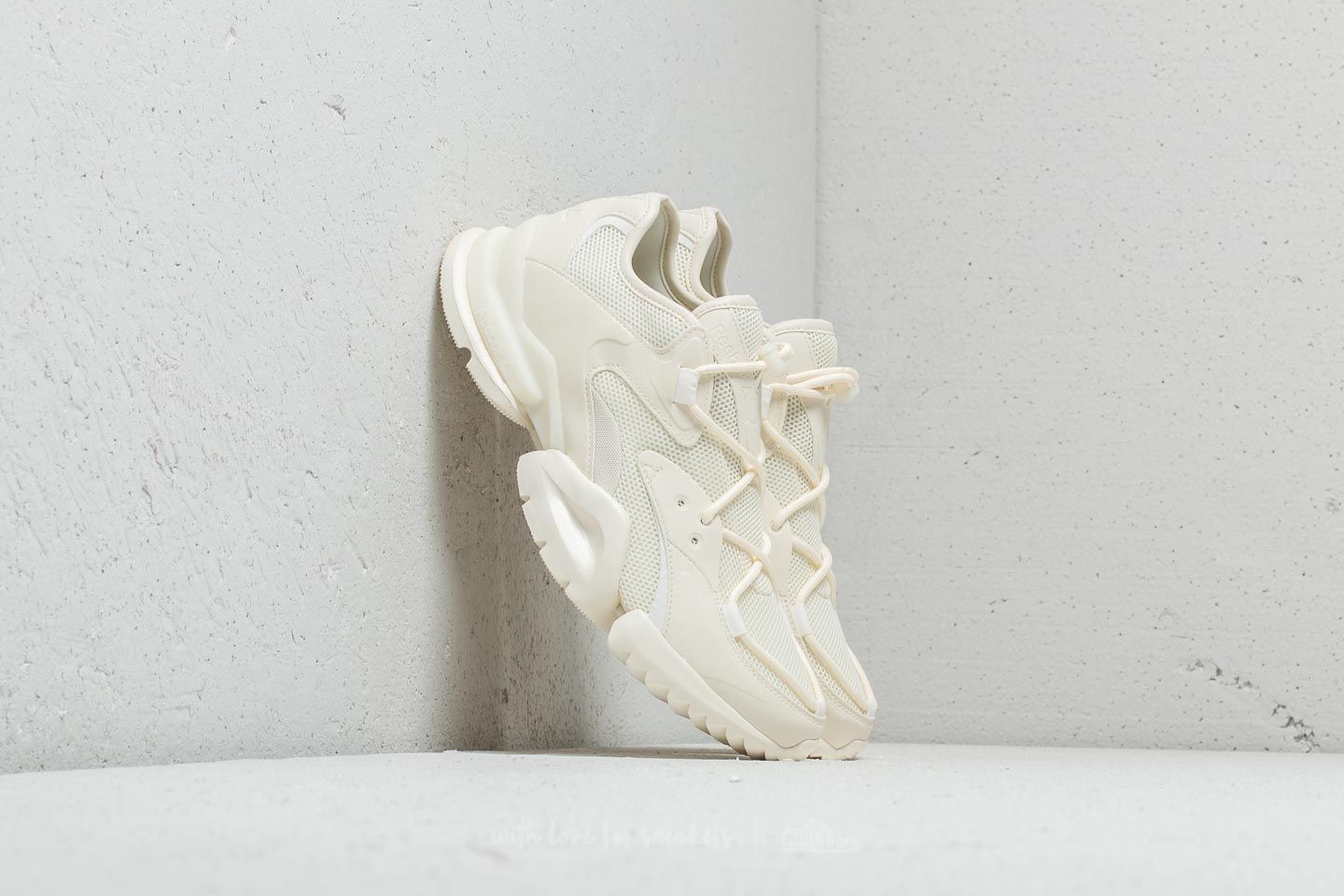 71f4424e2663 Reebok Run R 96 Chalk  Paper White at a great price 136 € buy at Footshop