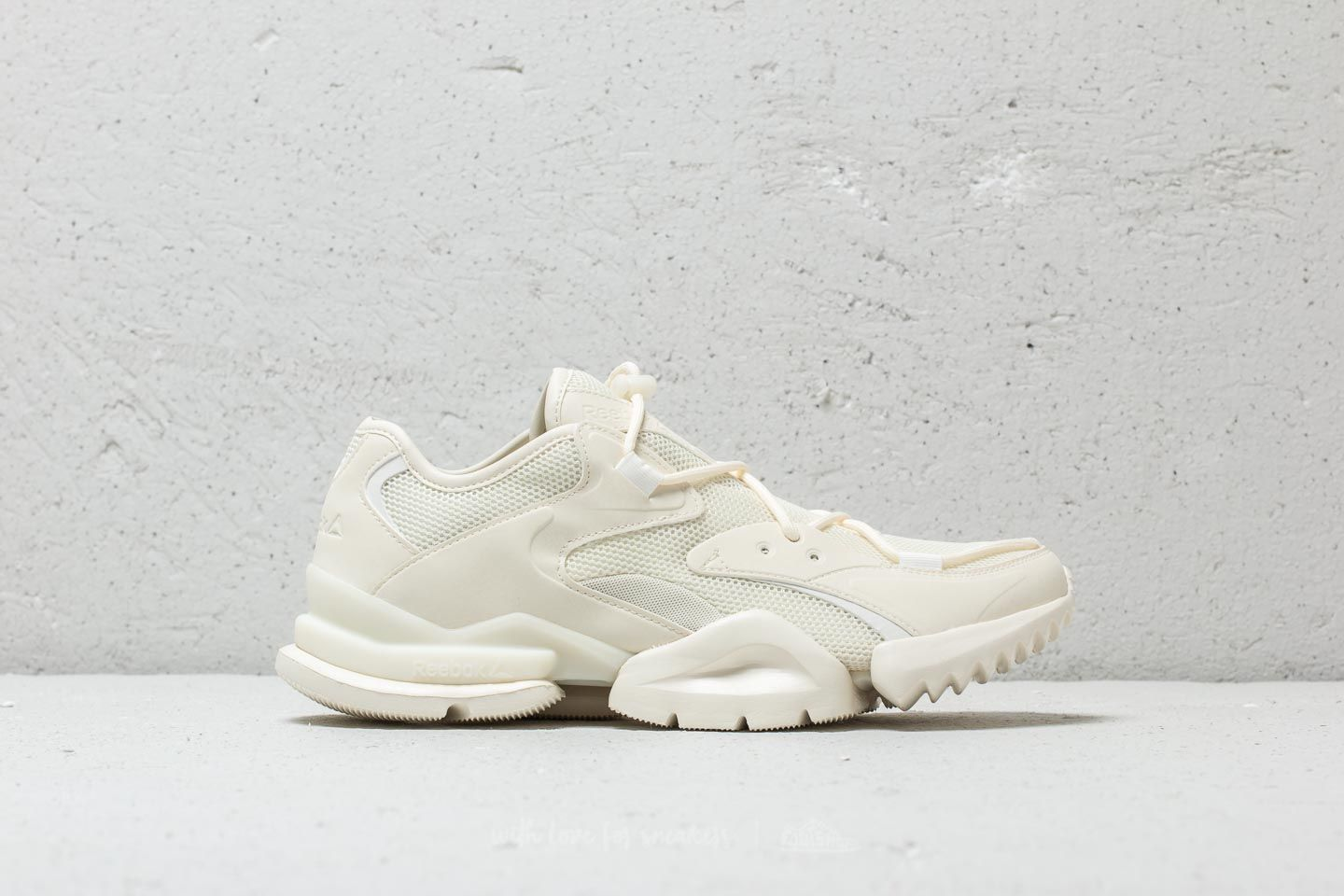 Reebok Run R 96 Chalk  Paper White at a great price 136 € buy at Footshop e08be2c68