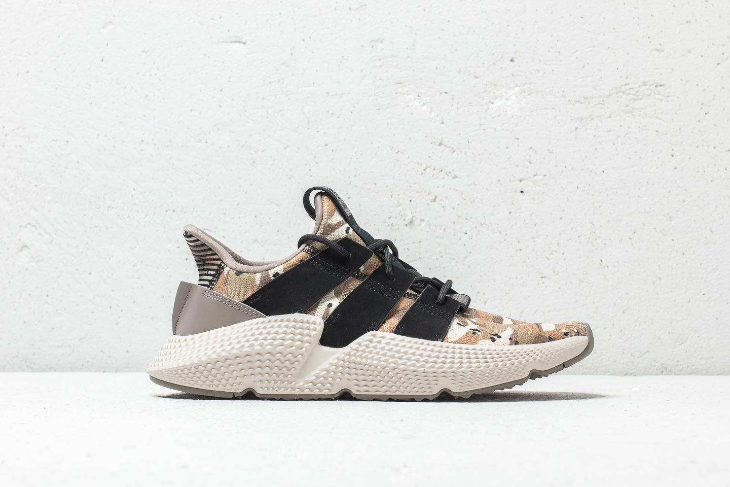 competitive price f4ad2 480b9 Adidas Prophere Simple Brown  Core Black  Clear Brown la un preț excelent  543 Lei
