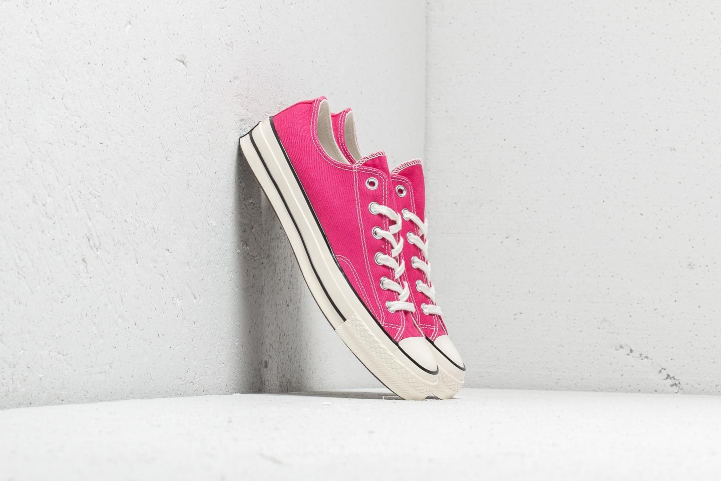 1dc1991d2ac011 Converse Chuck 70 Ox Pink Pop  Black  Egret at a great price £48