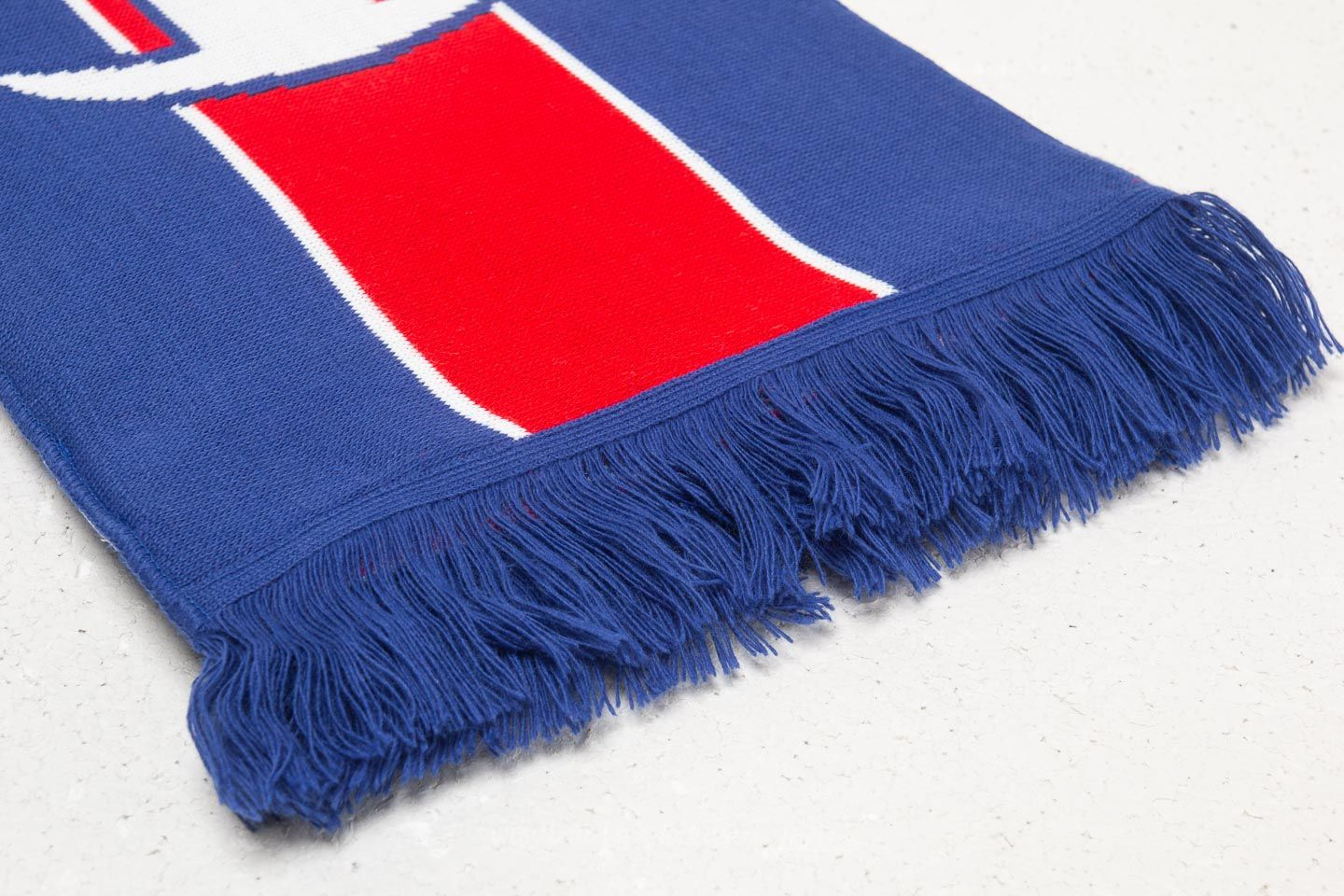 Champion Knitted Scarf Blue  Red  White at a great price £23 buy at 1b9682e4fd0a4