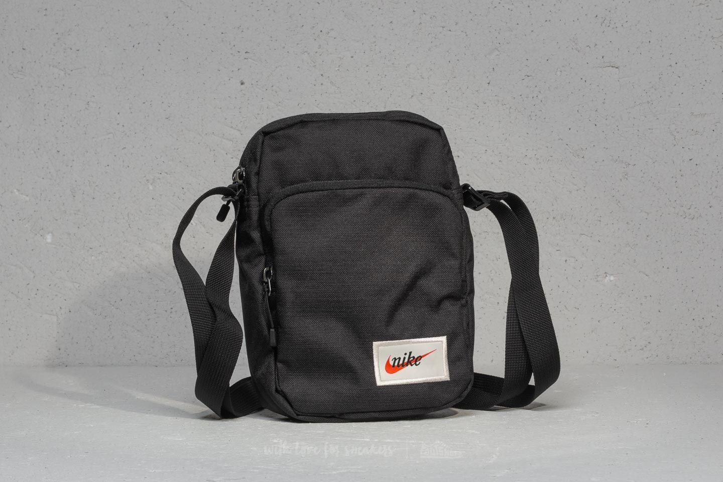 Nike Heritage Small Items Bag Black