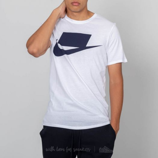 Nike Sportswear Tee White
