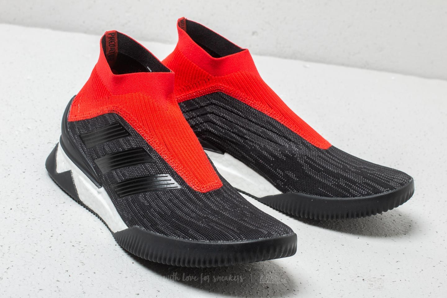 detailed look 364b0 47236 adidas PREDATOR TANGO 18+ TR Core Black  Core Black  Red at a great