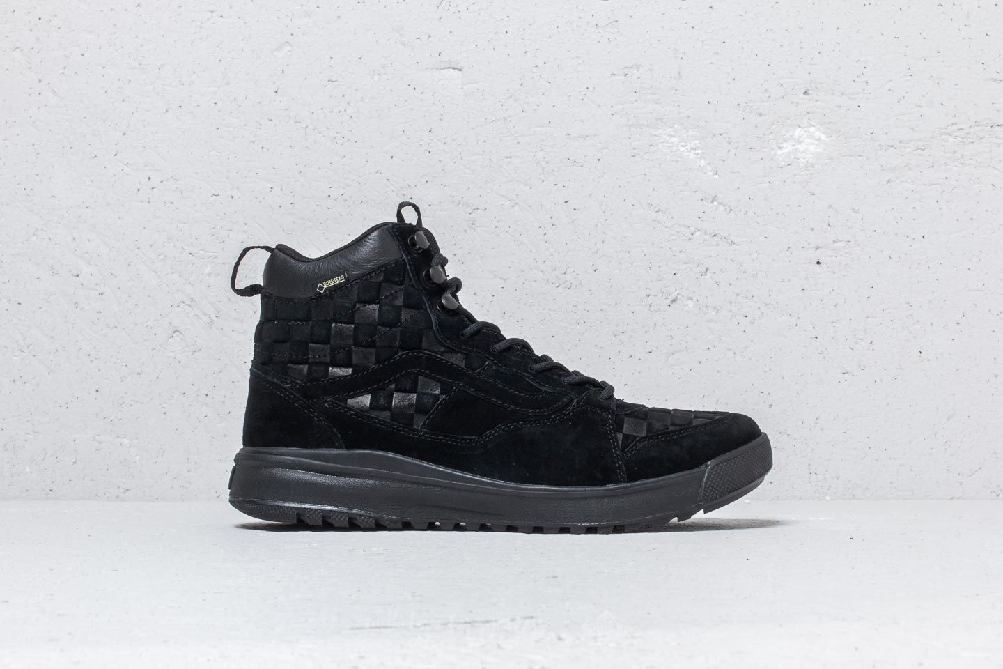 a1d61aa8f5cedf Vans UltraRange Hi Gore-Tex (Checkerboard) Black at a great price 152 €