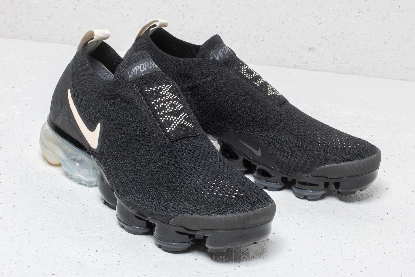 86725cb6ab1 Nike Wmns Air Vapormax Flyknit Moc 2 Black  Light Cream-White za skvělou  cenu