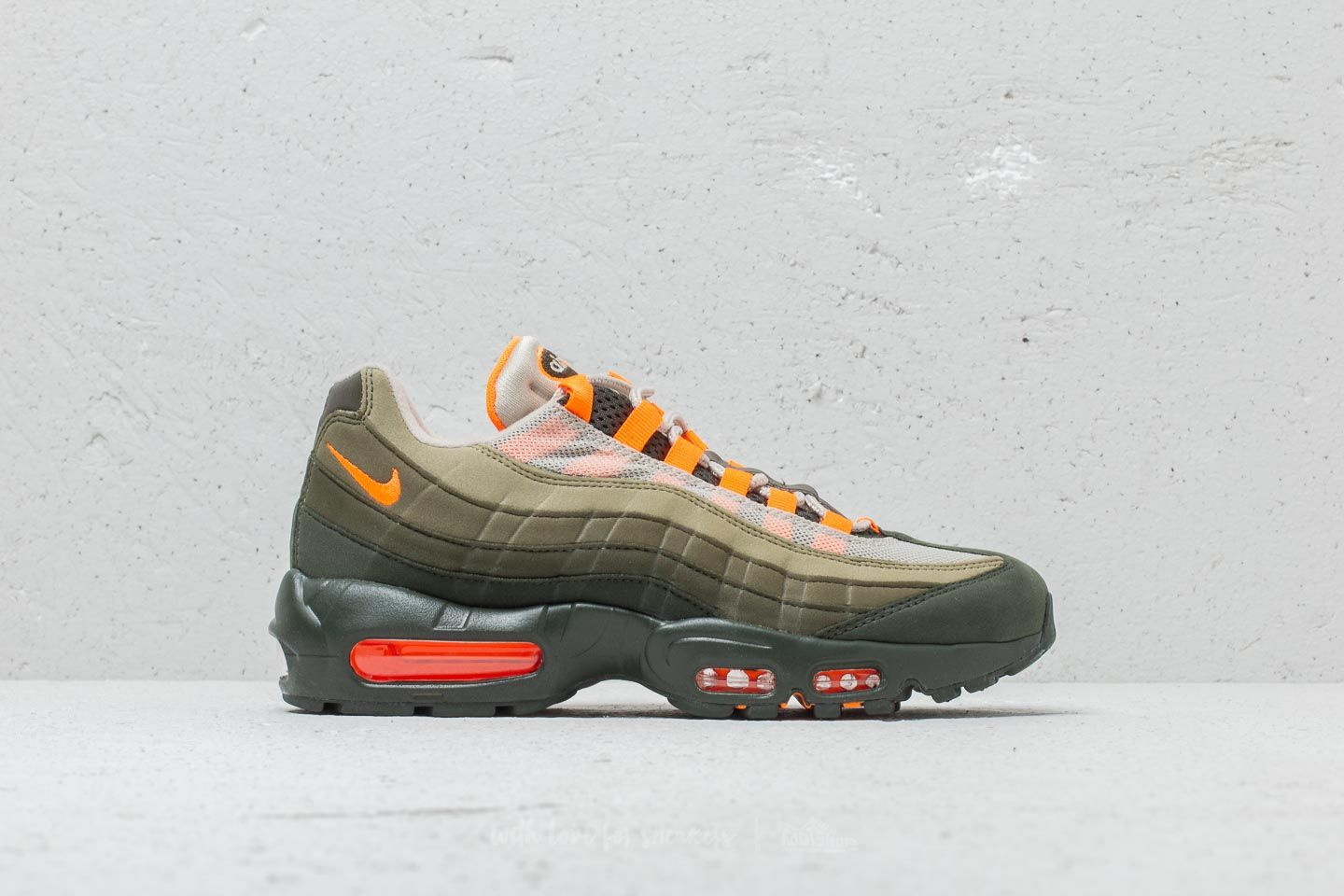 cheap for discount 4c2c3 8c20c Nike Air Max 95 OG String  Total Orange at a great price £165 buy