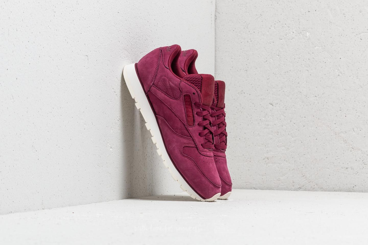 503160aec64 Reebok Classic Leather Rustic Wine  Chalk at a great price 70 € buy at  Footshop