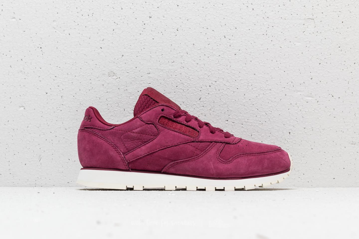 684bdbaae4f Reebok Classic Leather Rustic Wine  Chalk at a great price 70 € buy at  Footshop