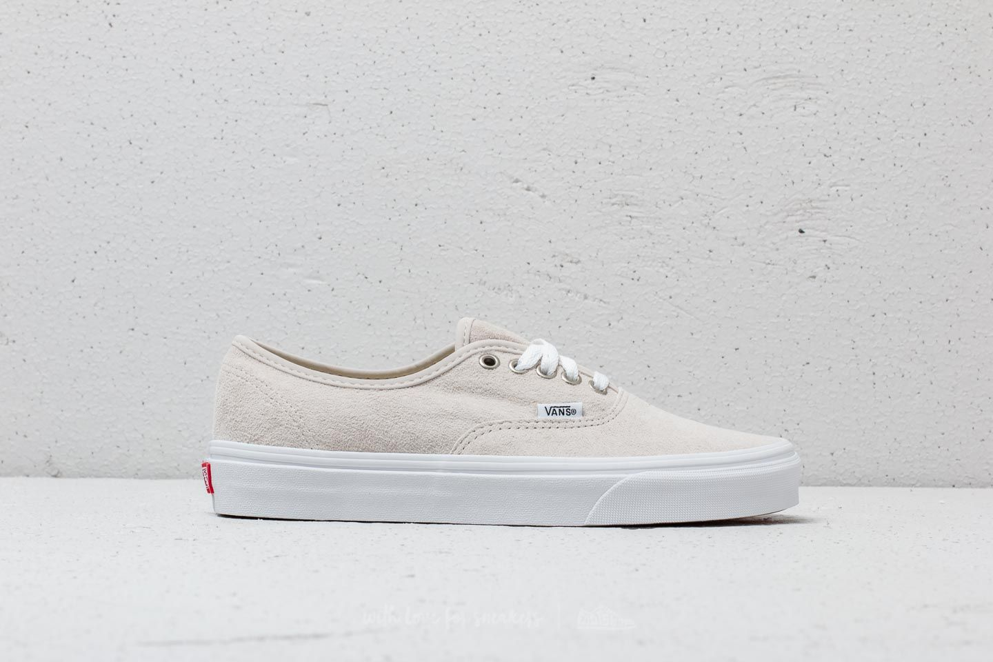Vans Authentic (Pig Suede) Moonbeam  True White at a great price £41 613796e12