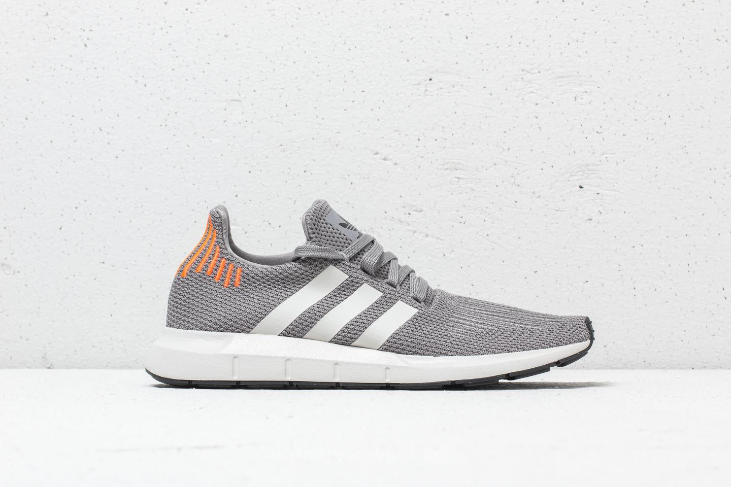 new arrival 7ef71 85b83 adidas Swift Run Grey  Core Black  Grey at a great price 67 € buy