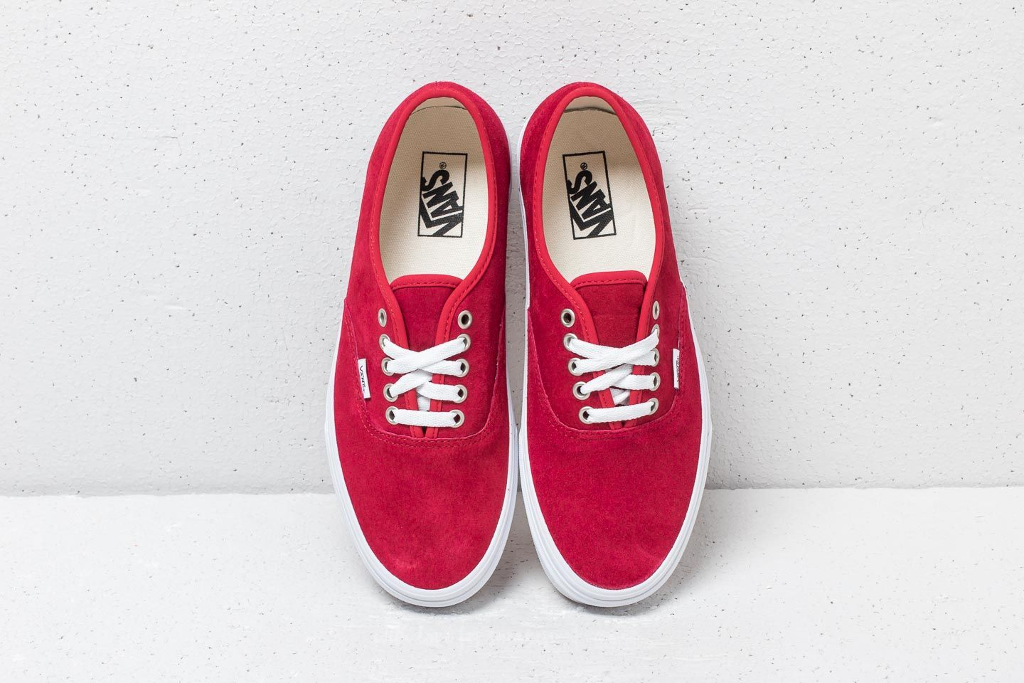0db083975ee8 Vans Authentic (Pig Suede) Scooter  True White at a great price £41
