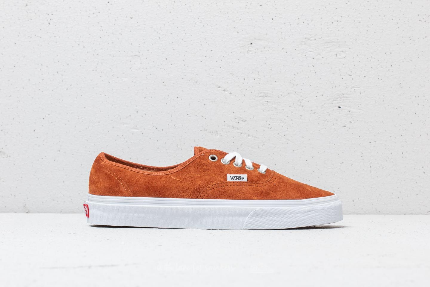 47b8137cb0 Vans Authentic (Pig Suede) Leather Brown at a great price 63 € buy at