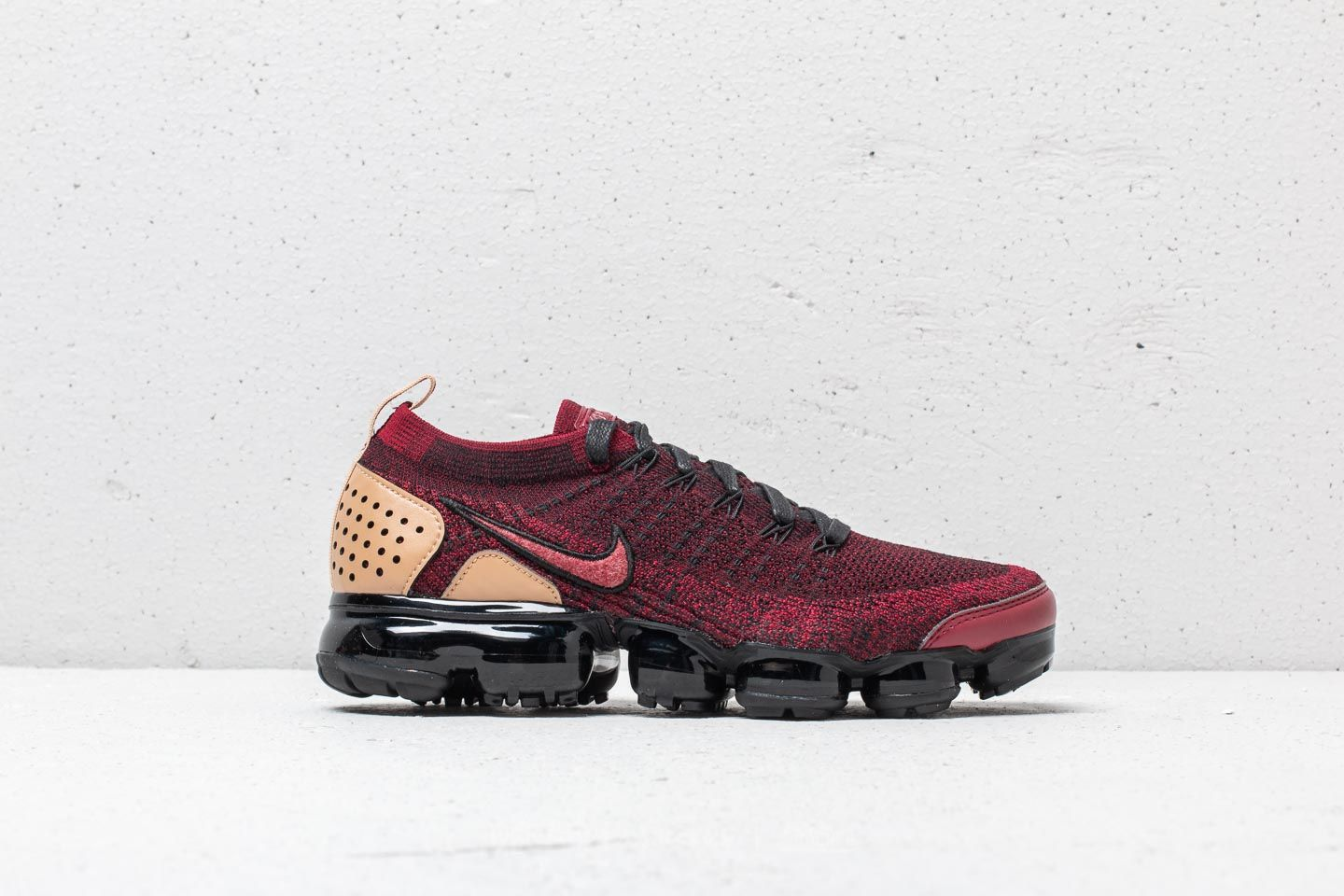 fa97144dfa54 Nike Air Vapormax Flyknit 2 NRG Team Red  Team Red-Black at a great