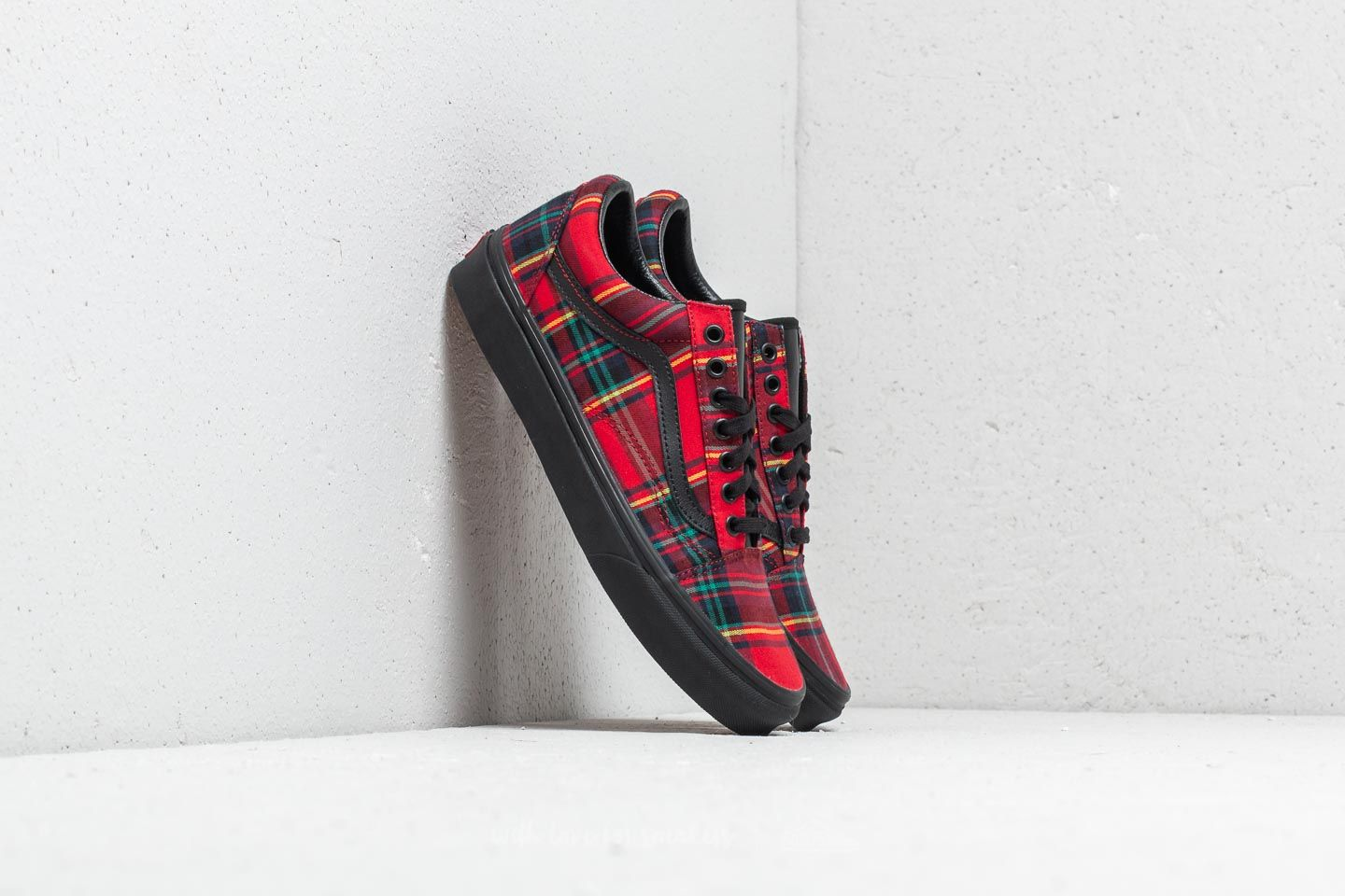12f30974d5 Vans Old Skool (Plaid Mix) Red  Black at a great price 86 €